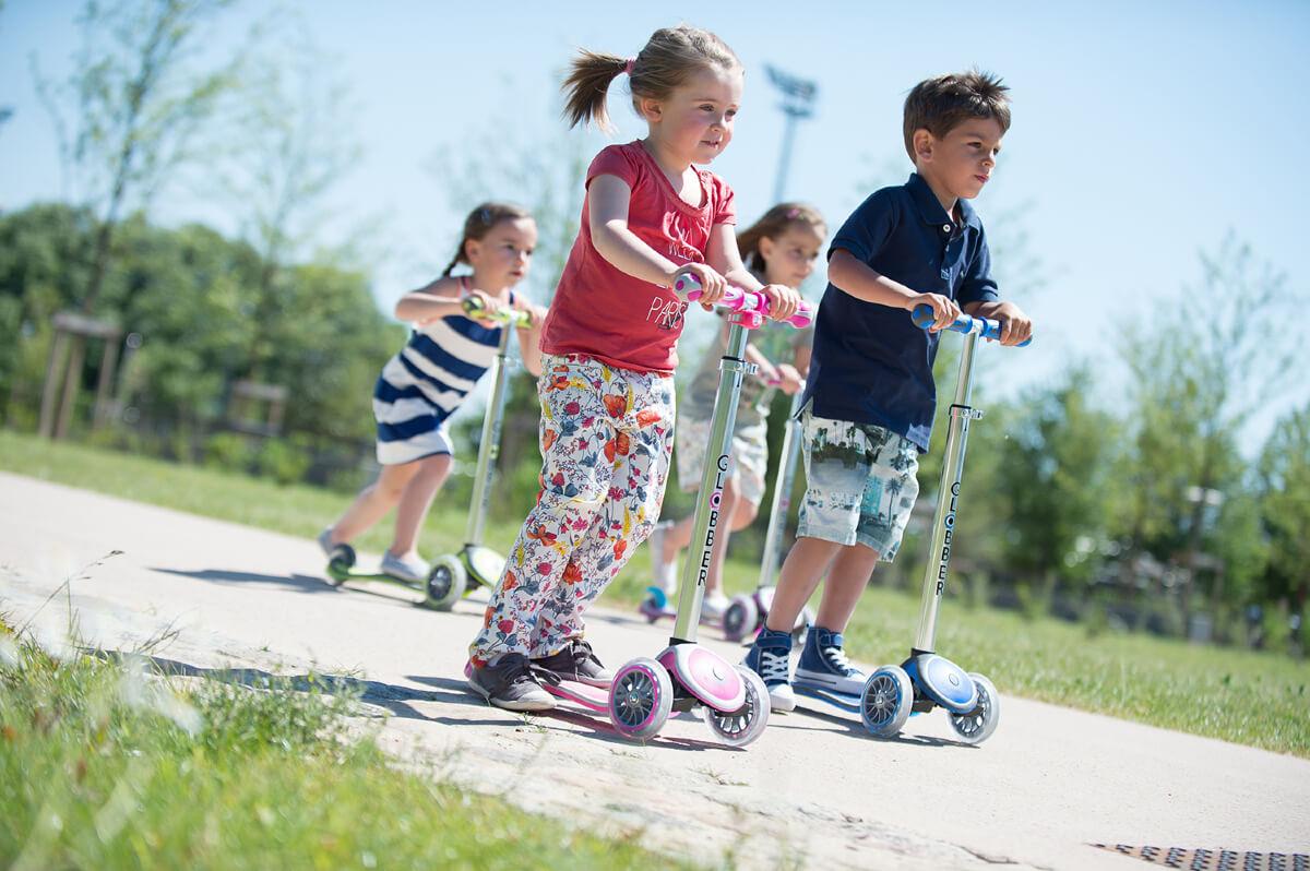Трехколесный самокат со светящимися колёсами Globber Primo Plus Lights Дети на самокатах - 3