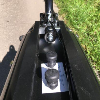 Городской самокат с ручным тормозом D-max 9 Чёрный, фонарик, звонок и ремень в комплекте - 7