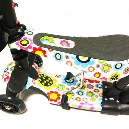 Самокат 5 в 1 с сиденьем, родительской ручкой, подставкой для ног и светящимися колёсами 21st Scooter 5 in 1 Print Ромашки - 2