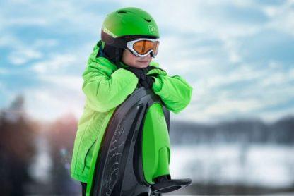 detskie-plastikovye-sanki-snegokat-c-rulem-i-tormozom-gismo-riders-stratos-chjorno-zeljonyj-14.jpg