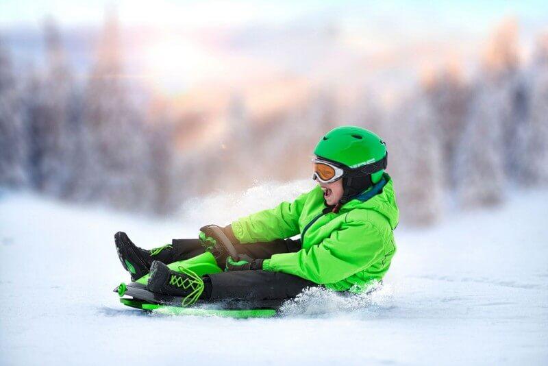 detskie-plastikovye-sanki-snegokat-c-rulem-i-tormozom-gismo-riders-stratos-chjorno-zeljonyj-15.jpg