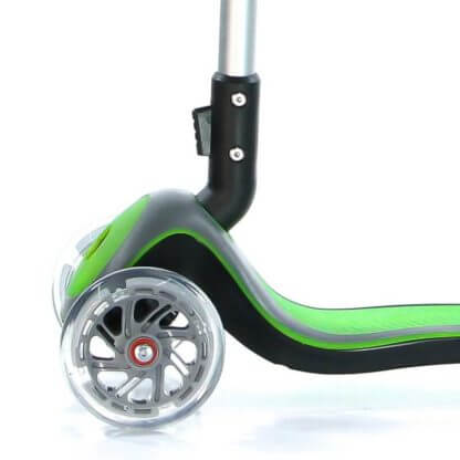 Трёхколесный самокат Scooter Maxi Micar Cosmo Зелёный со складной ручкой, светящимися колёсами и подсветкой платформы - 4